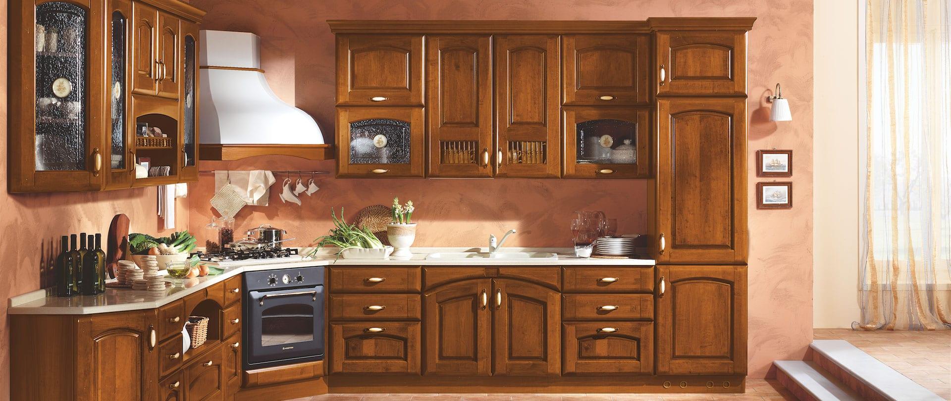 Cucina in noce, un design classico, cucine in stile classico